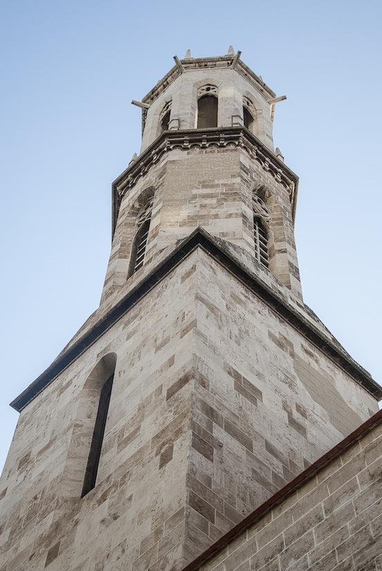 Chiesa vicino alla stazione dei treni, Valencia