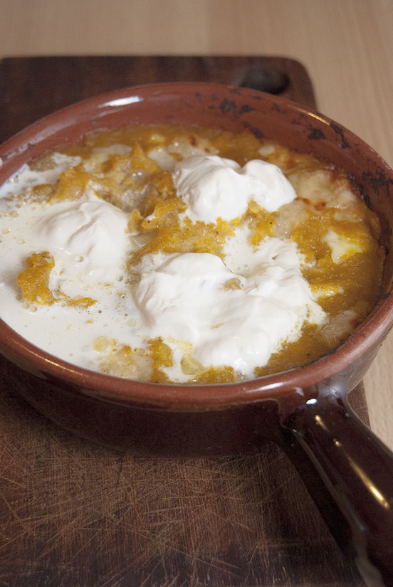 Zucca e formaggi nel coccio
