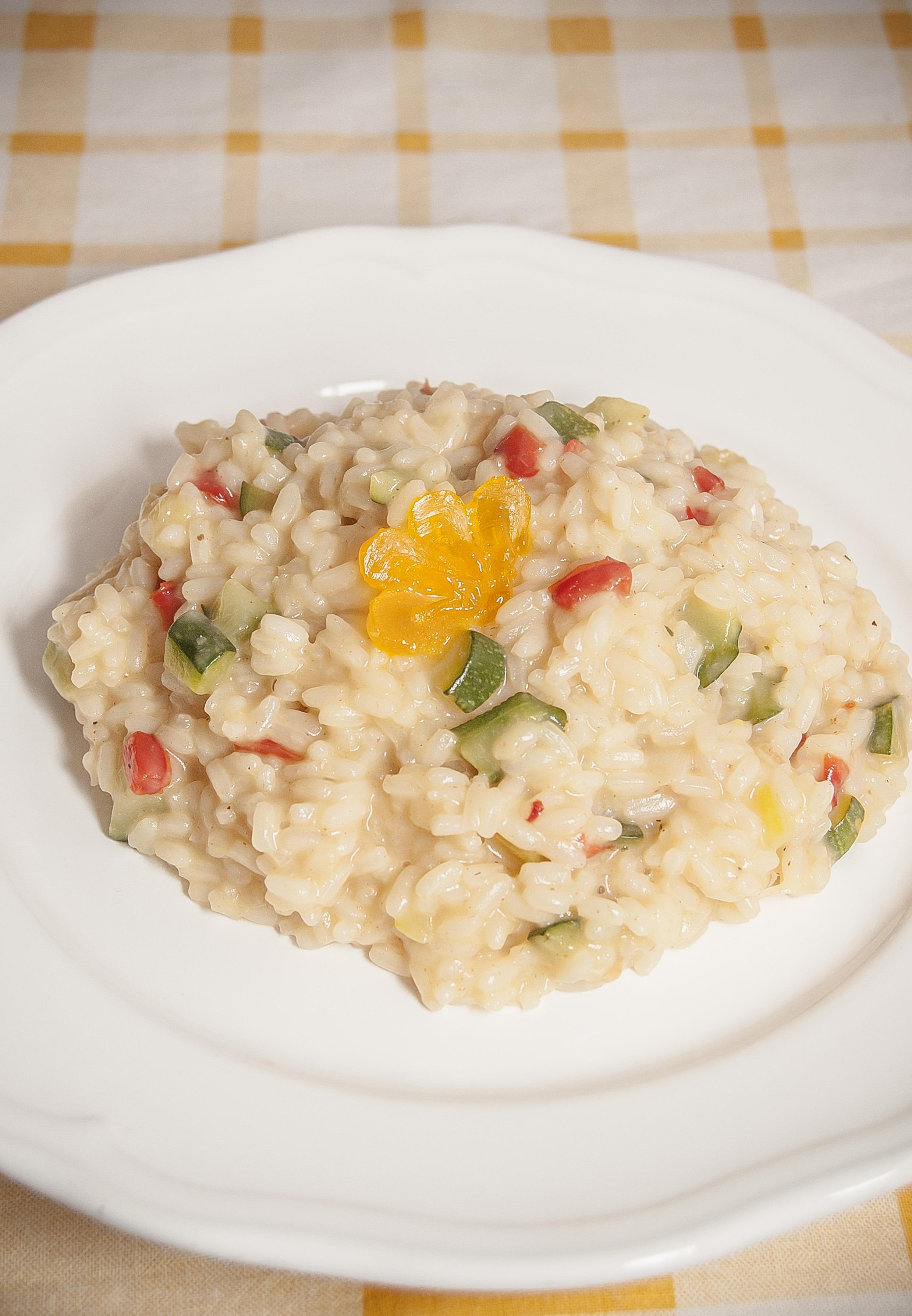 Risottino peperoni e zucchine con uovo disidratato