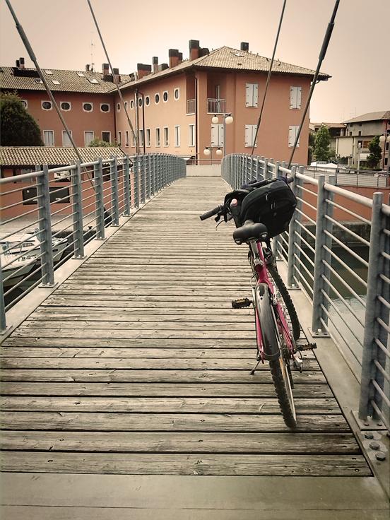 Sul ponte dello Stella in bici, Precenicco